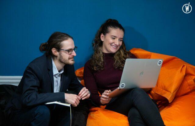 collaborating team smart tribune